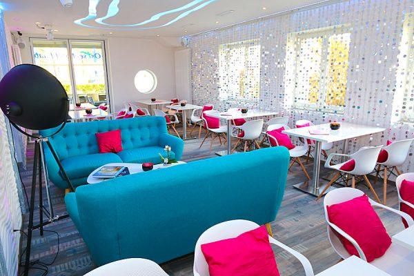 Hotelrestaurant mit moderner Ausstattung im Ostseebad Baabe auf Rügen
